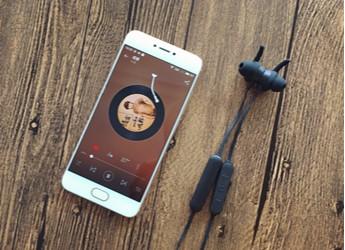 持久续航、稳定连接、不俗音质~JEET W1泰捷蓝牙耳机