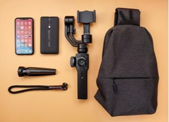 用手机拍电影就这么简单:智云 SMOOTH 4 手机稳定器