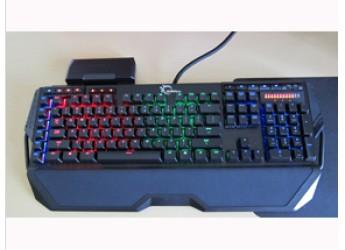 内存狂魔助你吃鸡,颇具特色的芝奇KM780 RGB红轴键盘