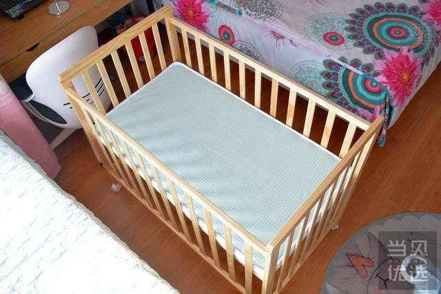 婴儿床买还是不买?小米生态链贝影随行宝宝床拆装体验,售299元