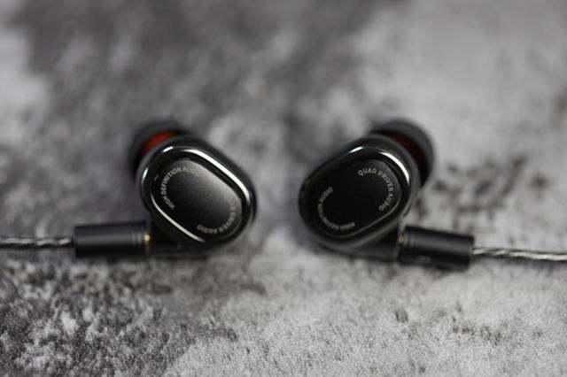 简评年轻人的第一条发烧耳机:小米圈铁四单元耳机